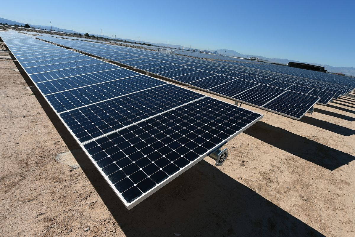 Cheap Solar Panels >> Solar Panels Now Cost Less Thank Government Policy Vox