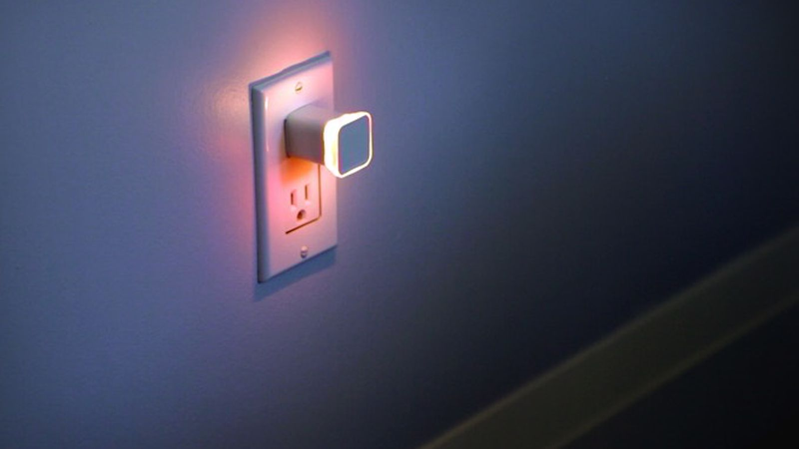 theverge.com - Now your nightlight can notify you of retweets and emails
