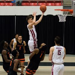 PULLMAN, WA - DECEMBER 2: Washington State forward Aljaz Kunc (4) goes to the hoop in the first half of the Pac 12 matchup between the Oregon State Beavers and the Washington State Cougars on December 2, 2020, at Beasley Coliseum in Pullman, WA.