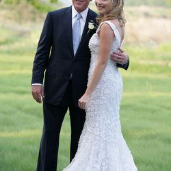 Donning Oscar de la Renta, Jenna Bush posed with her father, former President George Bush, before marrying Henry Hager on May 10th, 2008.