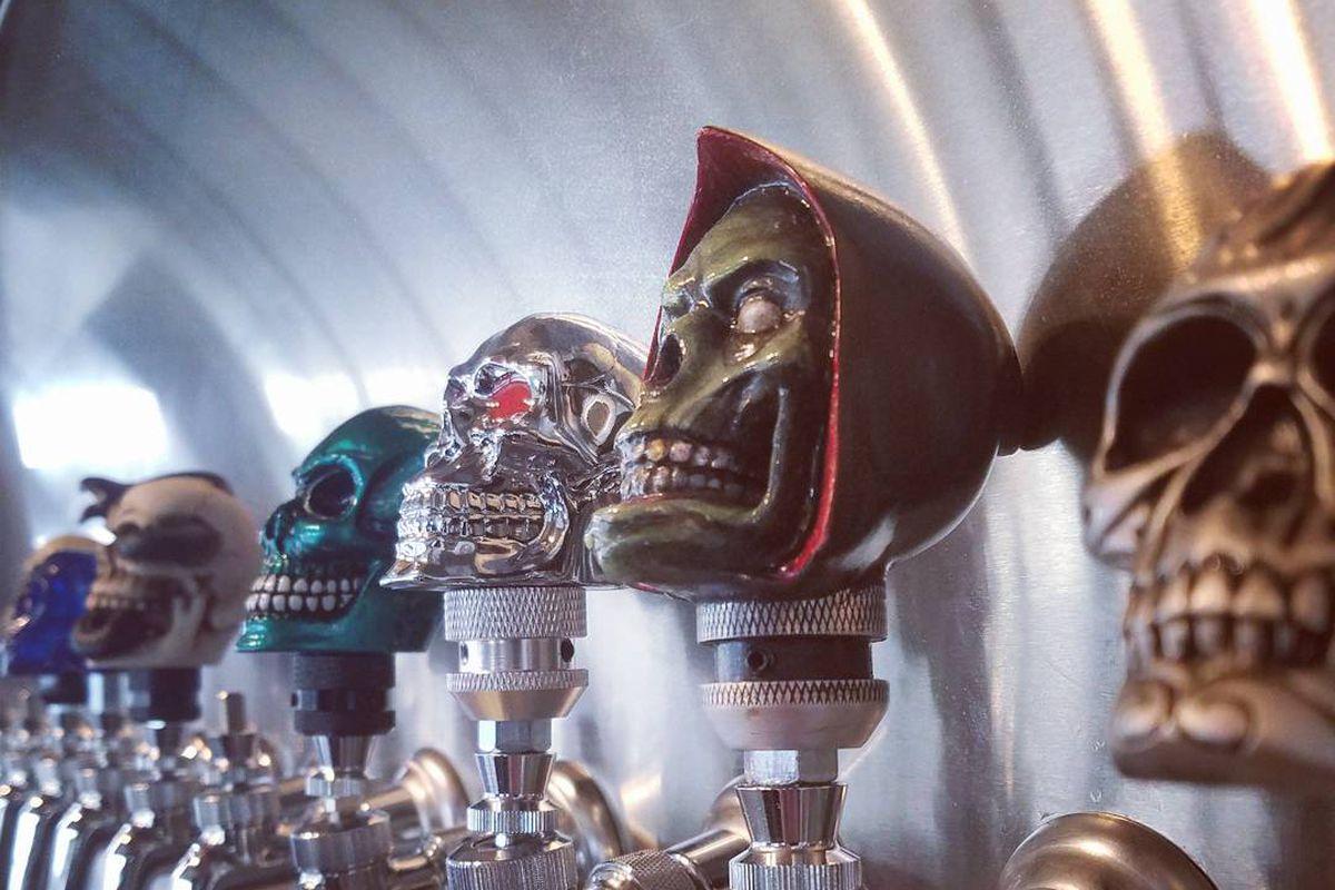 Skull Mechanix tap room