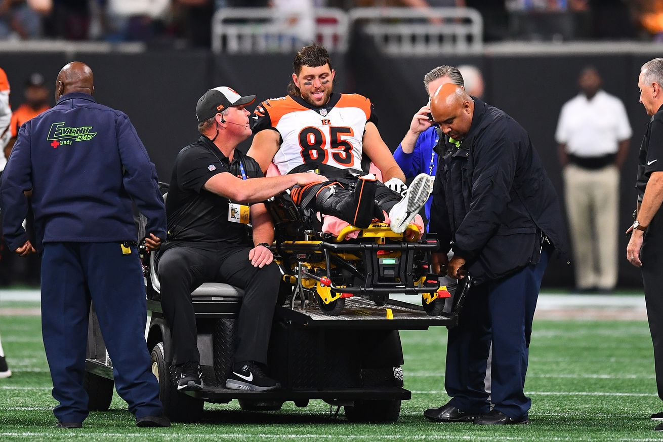 Tyler Eifert offers update on injured ankle after getting off his cast