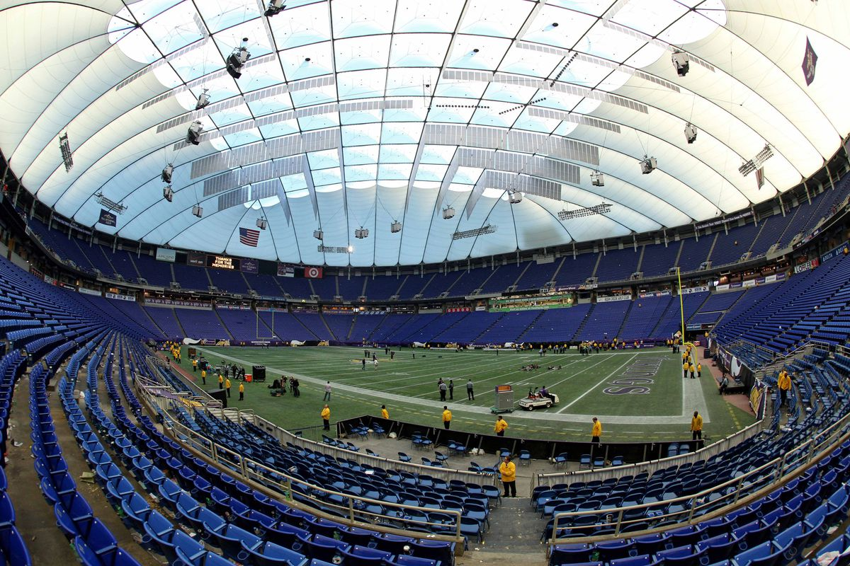 In Metrodome Today Somebody Played Like >> Tuesday Twins Maybe The Twins Can Surprise In 2014 Rip Metrodome