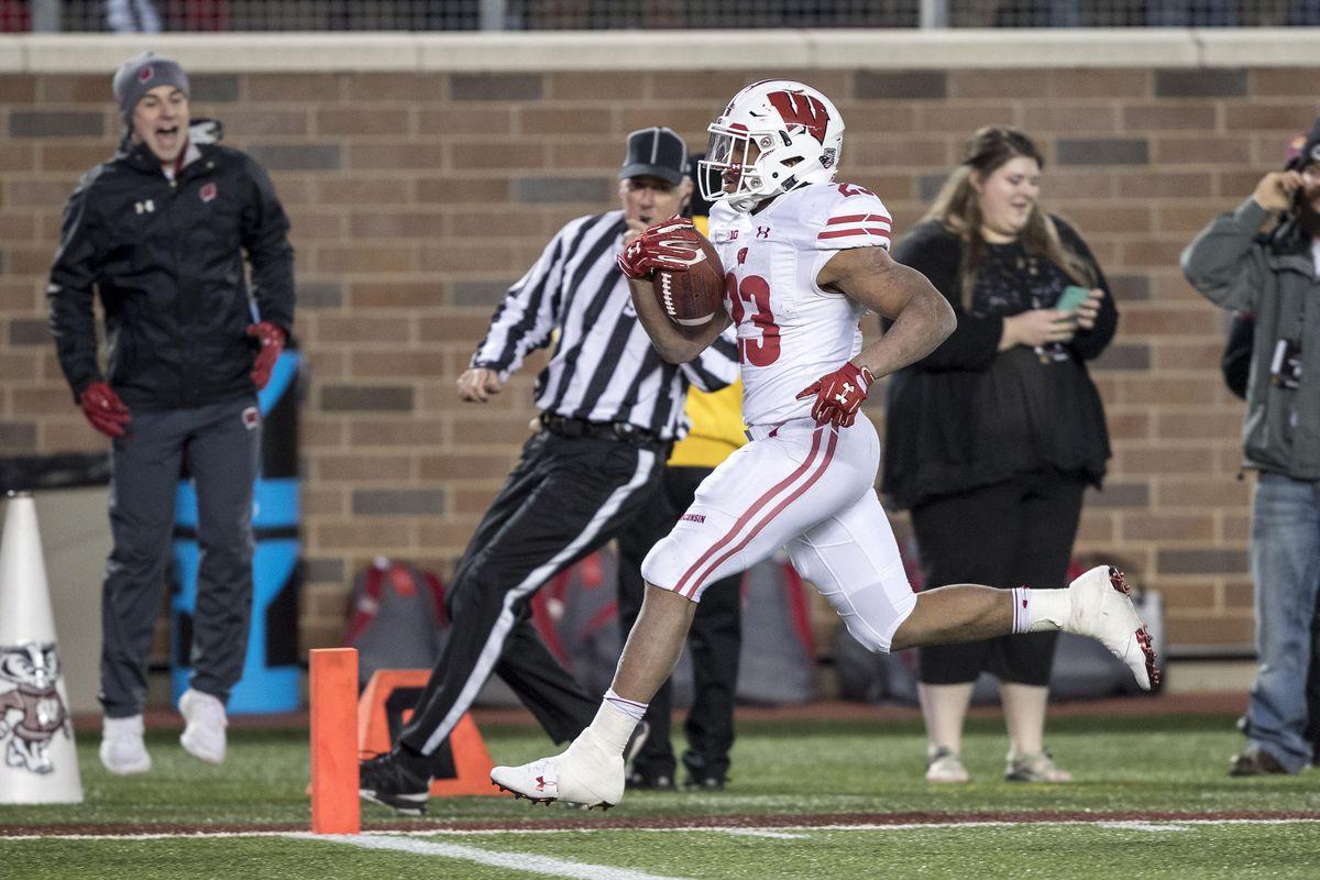 NCAA Football: Wisconsin at Minnesota