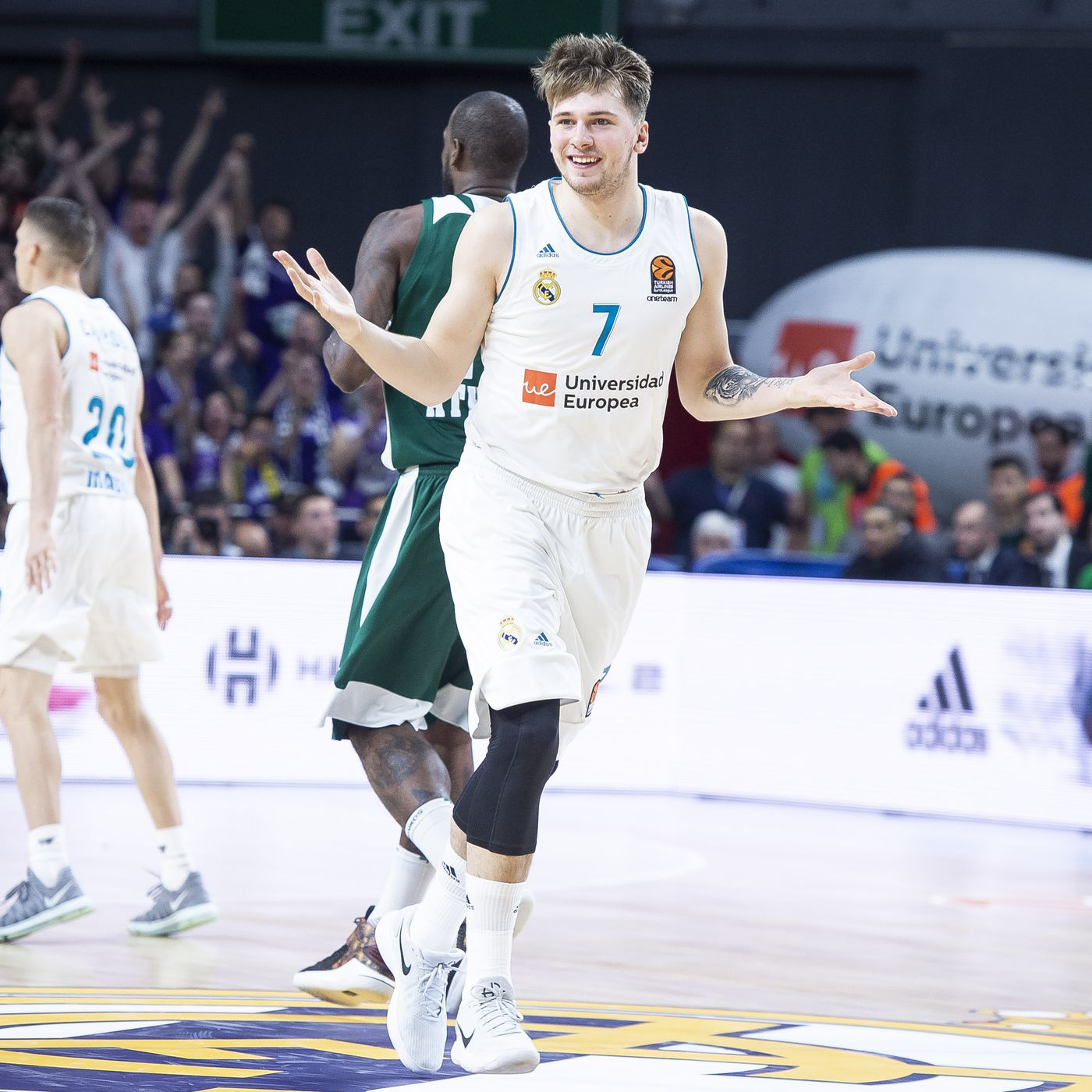100% authentic ef1e6 0f7ea Luka Doncic made his case to be the No. 1 NBA draft pick at ...