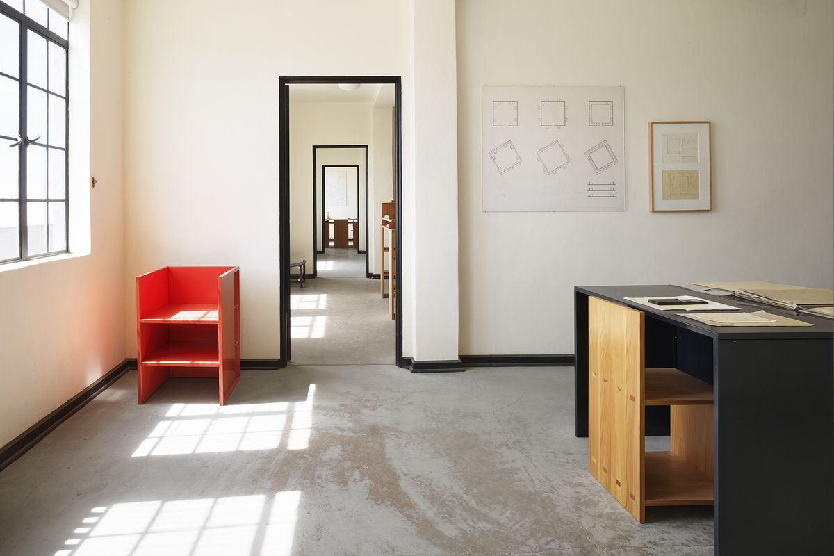 Donald Judd Furniture Show At Sfmoma Is Open Curbed