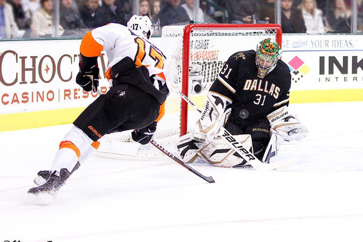 "via <a href=""http://www.myhockeyshots.com/DallasStars2011-2012Season/Games/122111-Stars-vs-Flyers/i-CTfrJwr/0/M/5420-bachman-simmonds-M.jpg"">www.myhockeyshots.com</a>"
