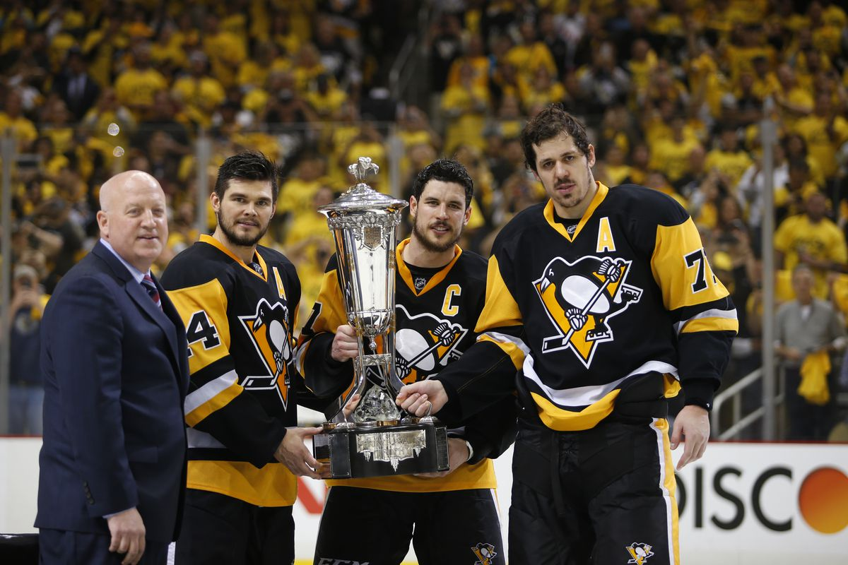Sidney Crosby superstitiously defies superstition.