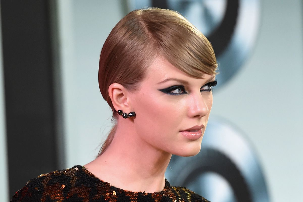 Musician Taylor Swift attends the 2015 MTV Video Music Awards at Microsoft Theater on August 30, 2015, in Los Angeles, California.