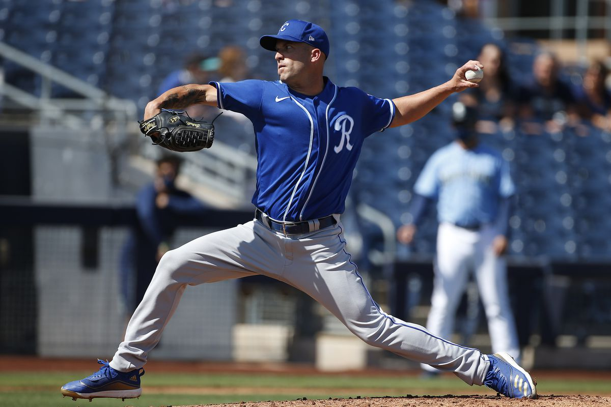 Danny Duffy throws a pitch