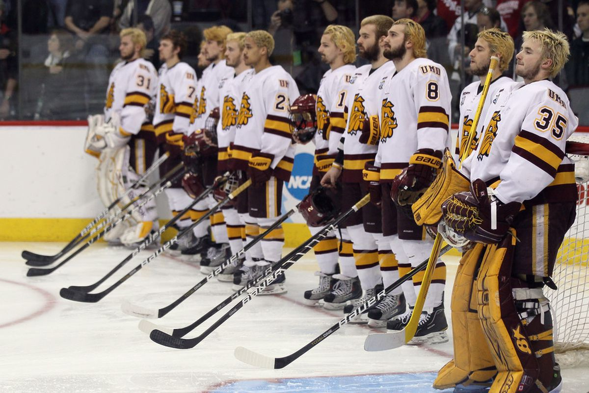 The Minnesota Duluth Bulldogs line up before the start of the semifinals of the 2011 NCAA Men's Frozen Four against of the Notre Dame Fighting Irish on April 7, 2011 at the Xcel Energy Center in St. Paul, Minnesota.  (Photo by Elsa/Getty Images)