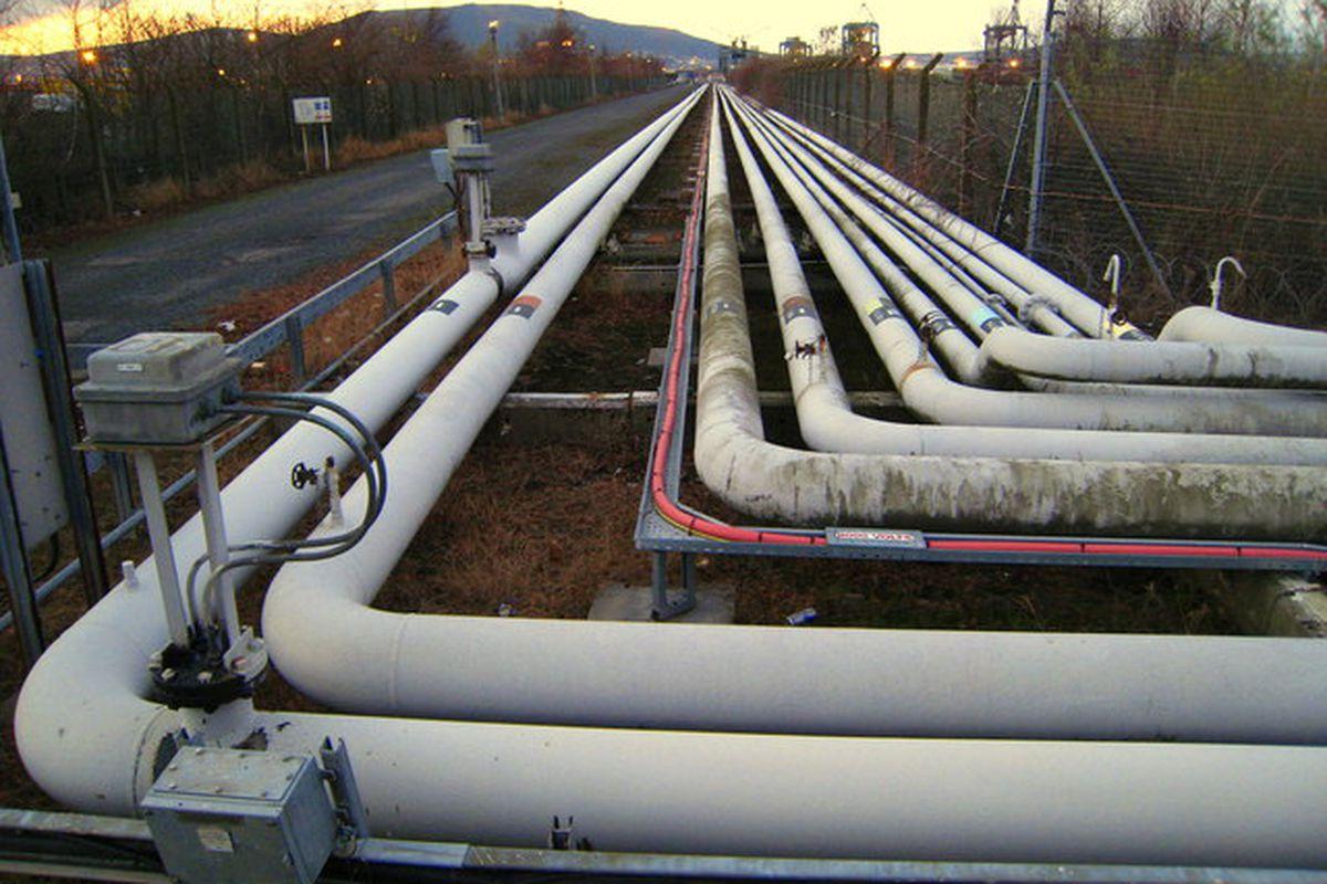 Pipeline (wikimedia commons)
