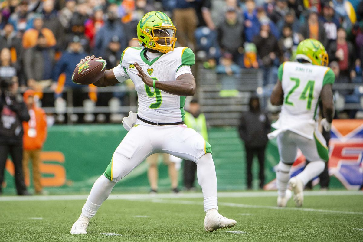 Tampa Bay Vipers quarterback Quinton Flowers throws a pass against the Seattle Dragons during the second half at CenturyLink Field. Seattle won 17-9.