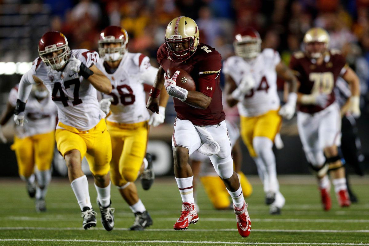 Tyler Murphy runs for a 66-yard touchdown to clinch BC's 37-31 win over No. 9 USC.