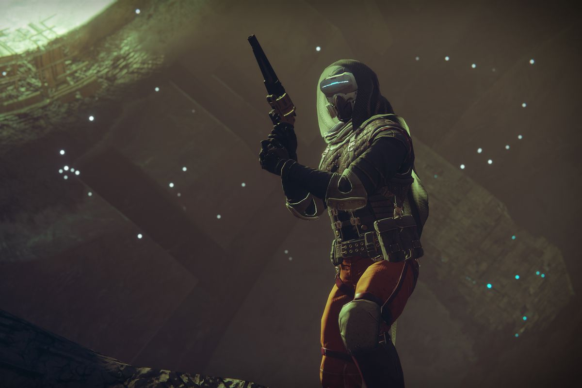 Destiny 2 - Hunter with hand cannon