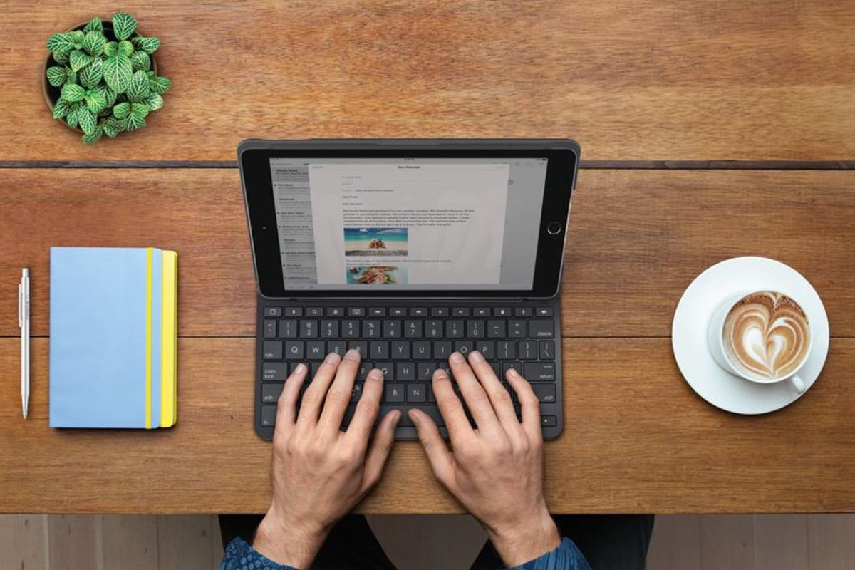 online store f033f dc502 Logitech's new iPad keyboard case has a four-year battery life - The ...