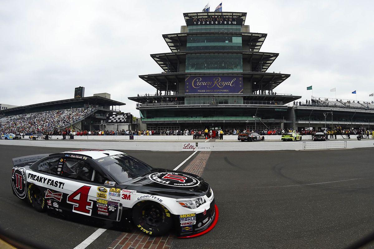 Nascar Pole Position >> NASCAR 2014 at Indianapolis Motor Speedway qualifying ...