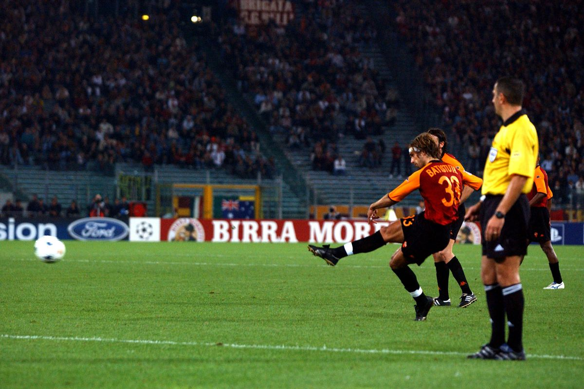 Soccer - UEFA Champions League - Group C - Roma v RC Genk