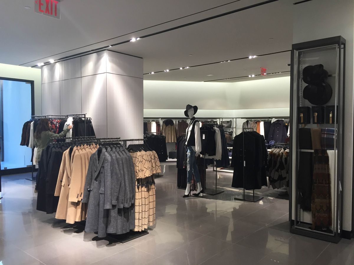 d42be102bdad7 zara-fidi. Let s hope that remains the same when the store s semi-annual  hits around the end of the year — Shoppers know how torturous those long  dressing ...