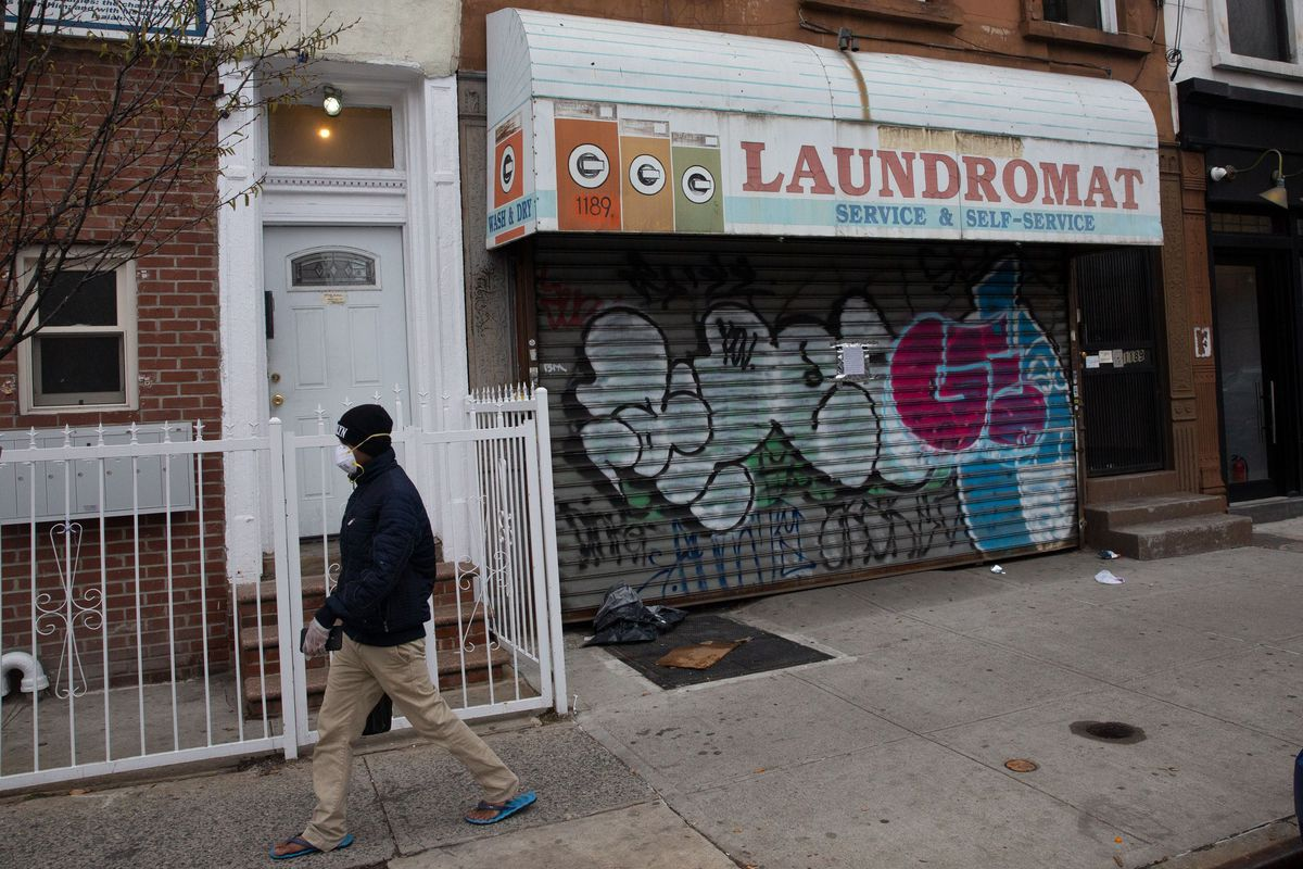 A laundromat on Bedford Avenue in Bed-Stuy was closed during the coronavirus outbreak.