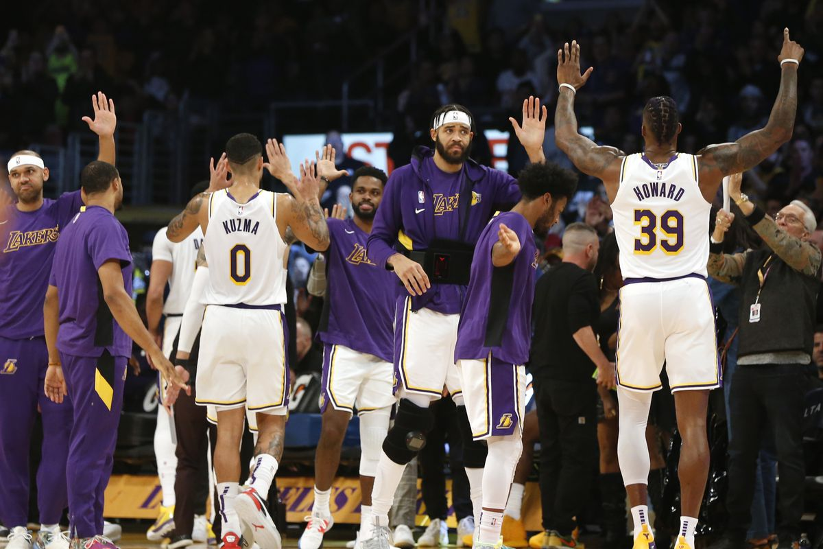 Frank Vogel says Lakers fitting together is reason for quick cohesion