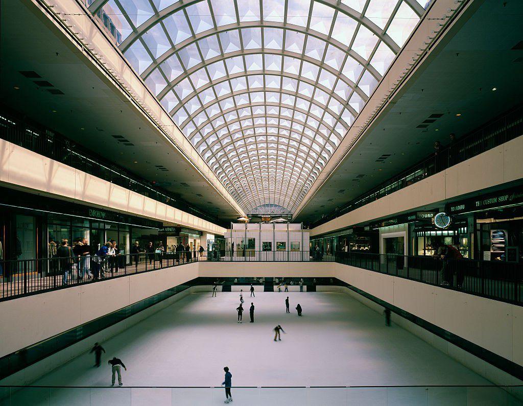 Galleria ice rink (Carol M. Highsmith/Buyenlarge/Getty Images)