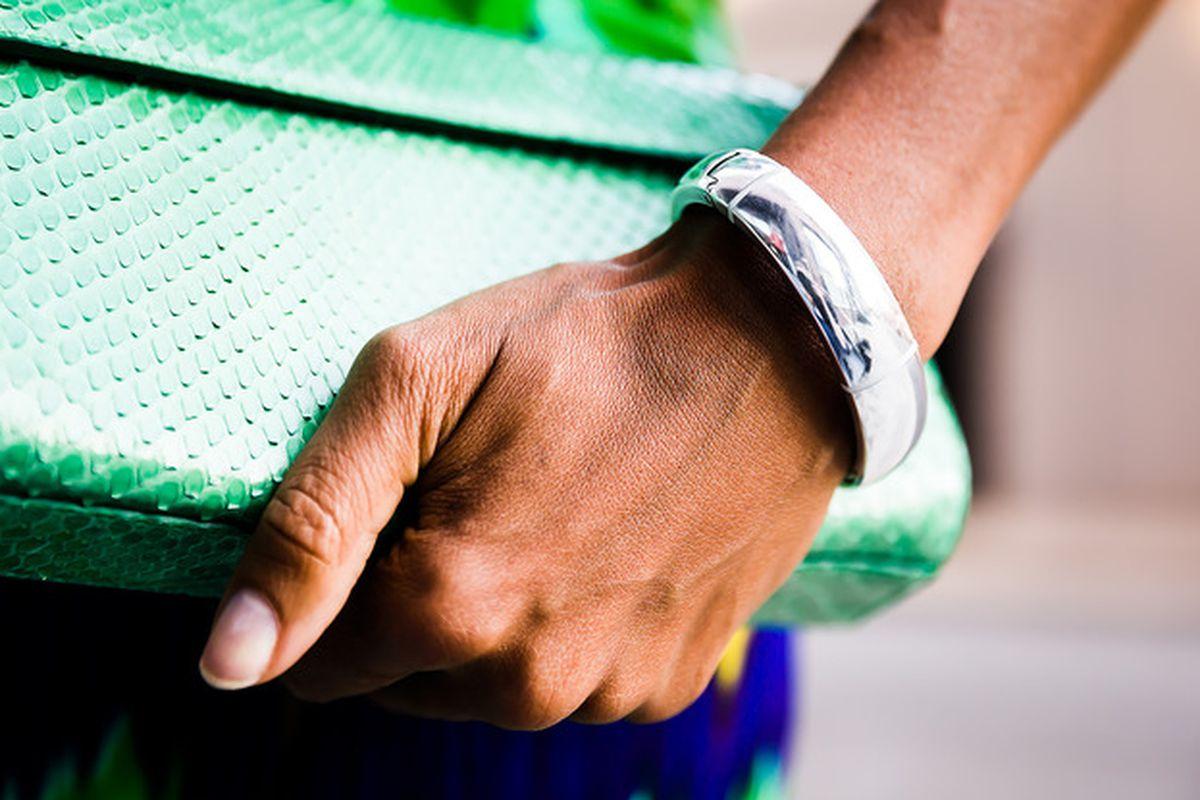 """Photo via Memi/<a href=""""http://www.kickstarter.com/projects/1089105396/memi-wearable-technology-made-by-women-for-women"""">Kickstarter</a>."""