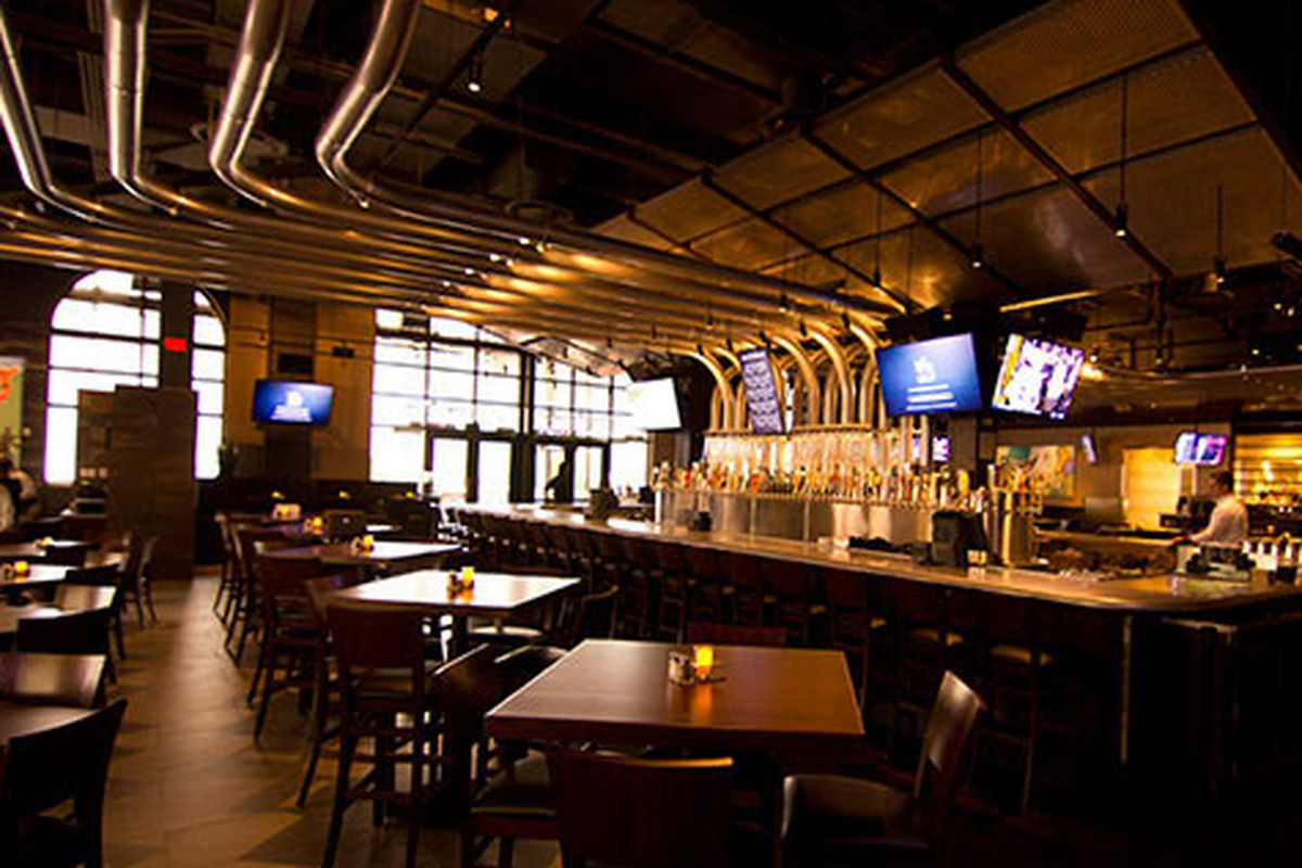 """Yard House at Atlantic Station. Photo courtesy of <a href=""""http://clatl.com/omnivore/archives/2012/04/30/lunch-at-yard-house-first-impressions"""">Creative Loafing</a>."""