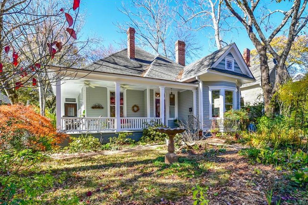 A photo of a Victorian style home for sale in Atlanta's Grant Park.