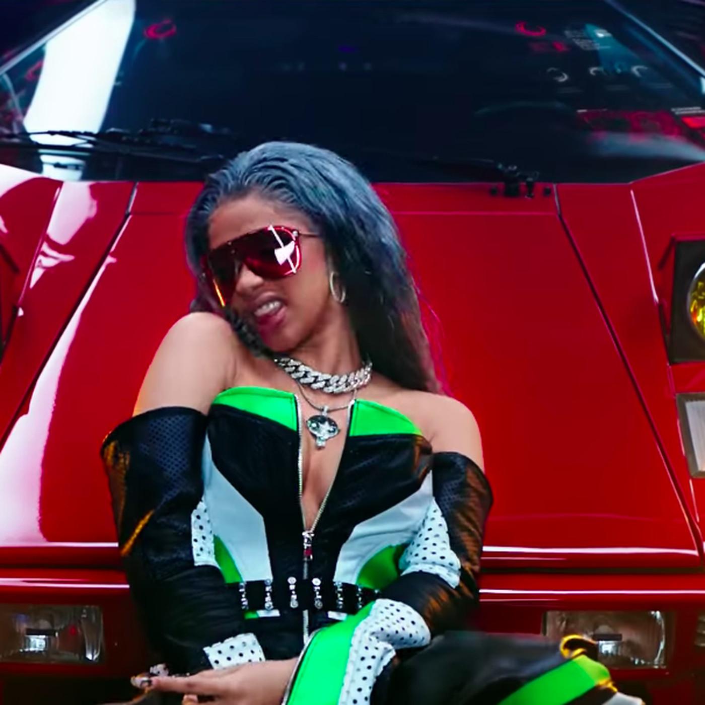Cardi B Motorsport >> The Video For Motorsport Has Nicki Minaj Cardi B And Flying Lyfts