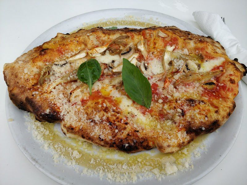 Pizza at Da Moreno Northfields, one of Ealing's best restaurants