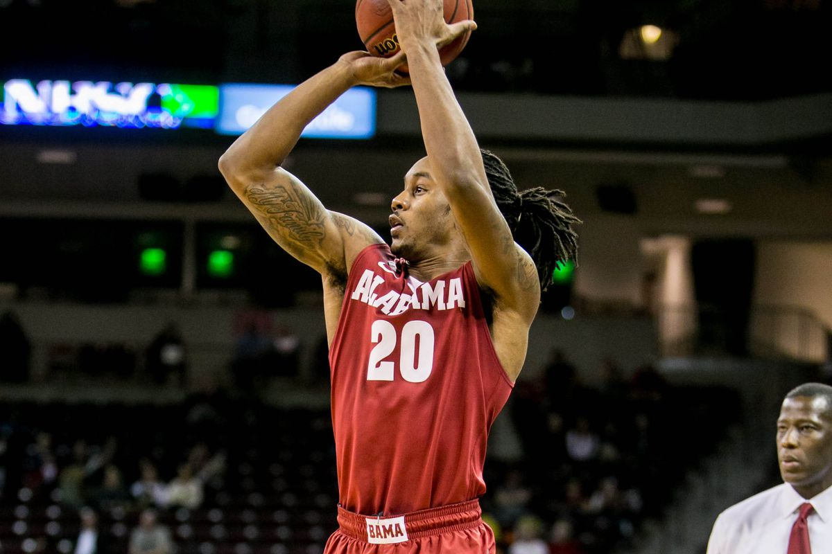 Levi Randolph missed a three point shot at the buzzer, as the Tide loses by two.