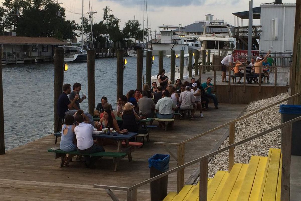 Dockside dining at Brisbi's.