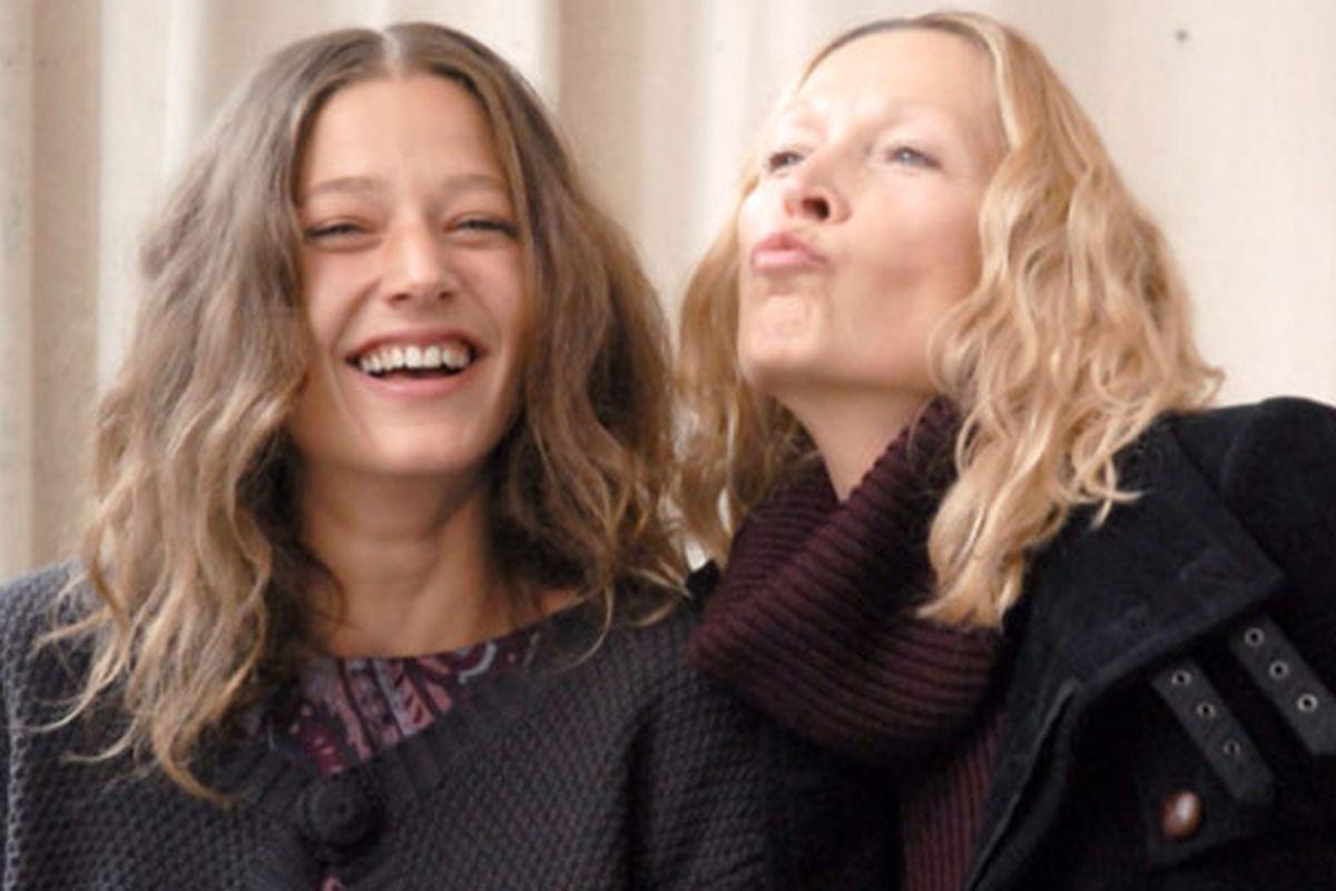 "Image via <a href=""http://fashionindie.com/comptoir-des-cotonniers-wants-a-little-motherdaughter-action/"">Fashion Indie</a>"