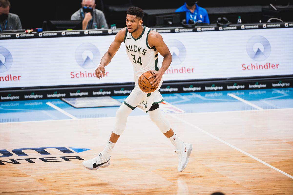 Milwaukee Bucks contra Charlotte Hornets