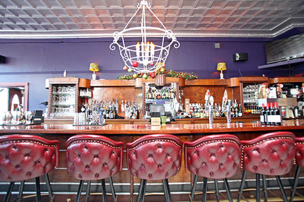 Jonesy's Eat Bar
