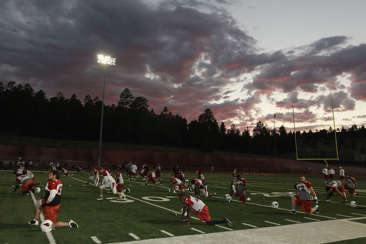 FLAGSTAFF, AZ - AUGUST 16:  The Arizona Cardinals practice during the team training camp at Coconino High School on August 16, 2011 in Flagstaff, Arizona.  (Photo by Christian Petersen/Getty Images)