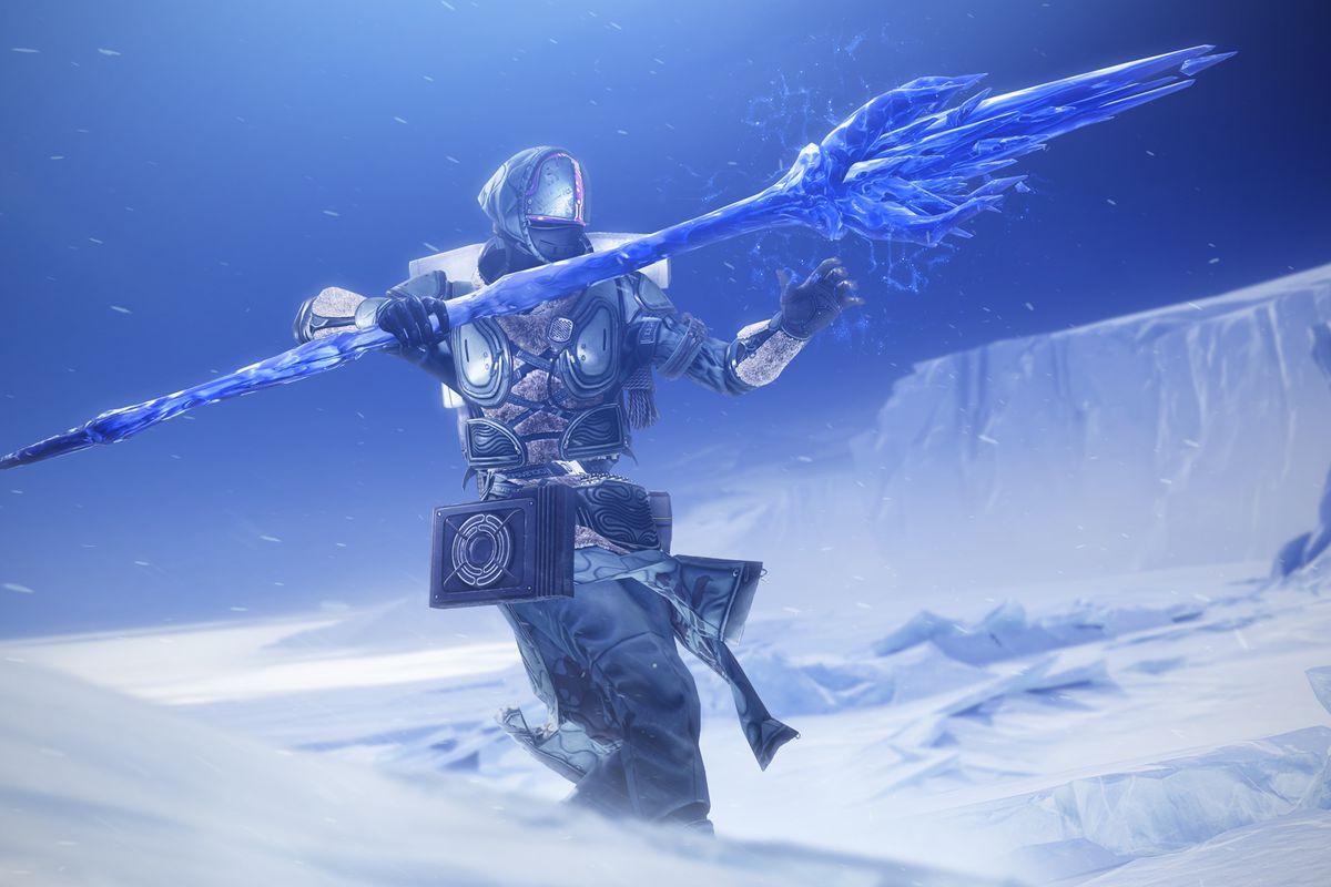 Shadebinder Warlock with their ice staff in Destiny 2: Beyond Light