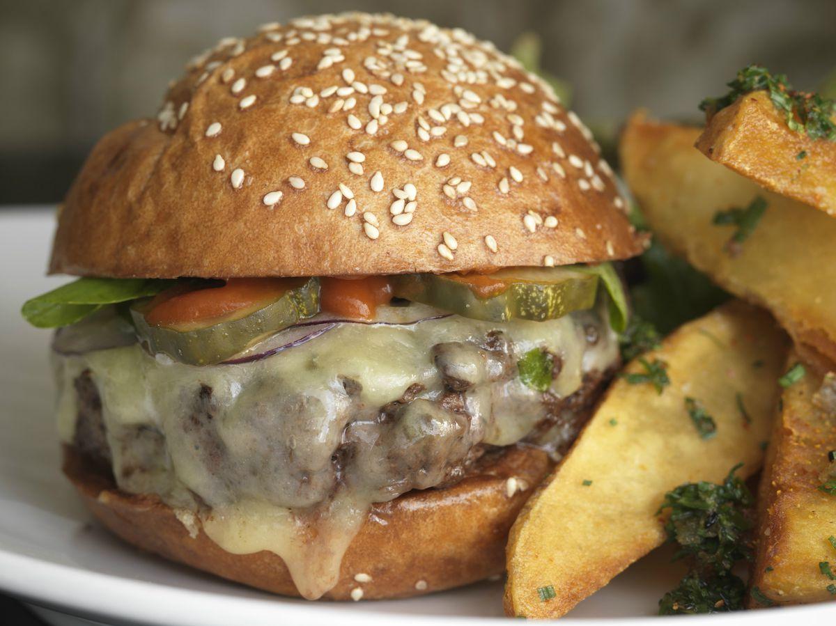 Craigie on Main burger