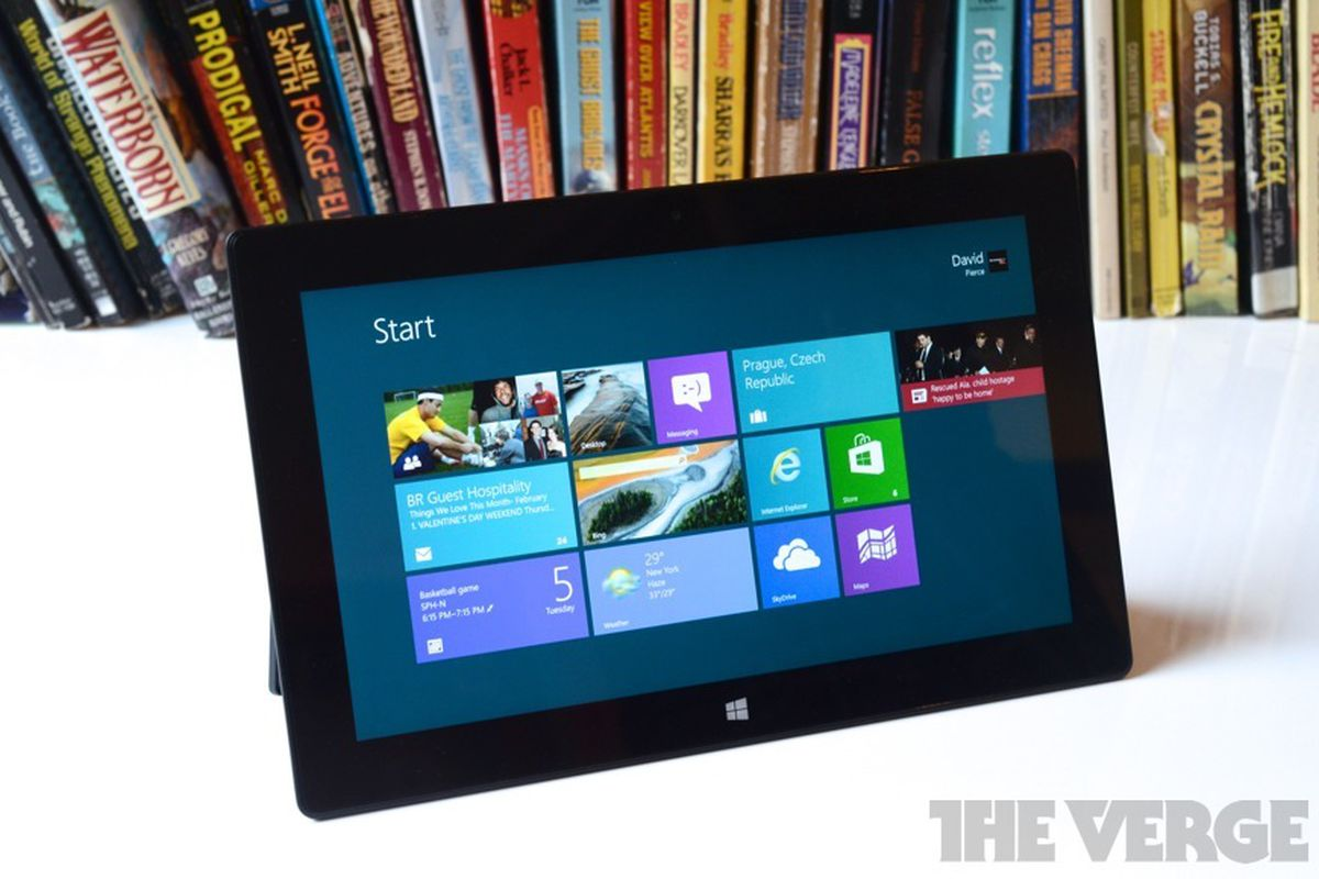 Microsoft Surface Pro tablet (875px)
