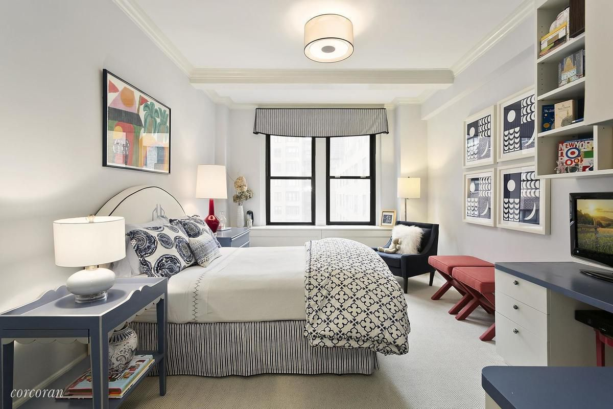 Which stately Upper East Side three-bedroom would you buy? - Curbed NY