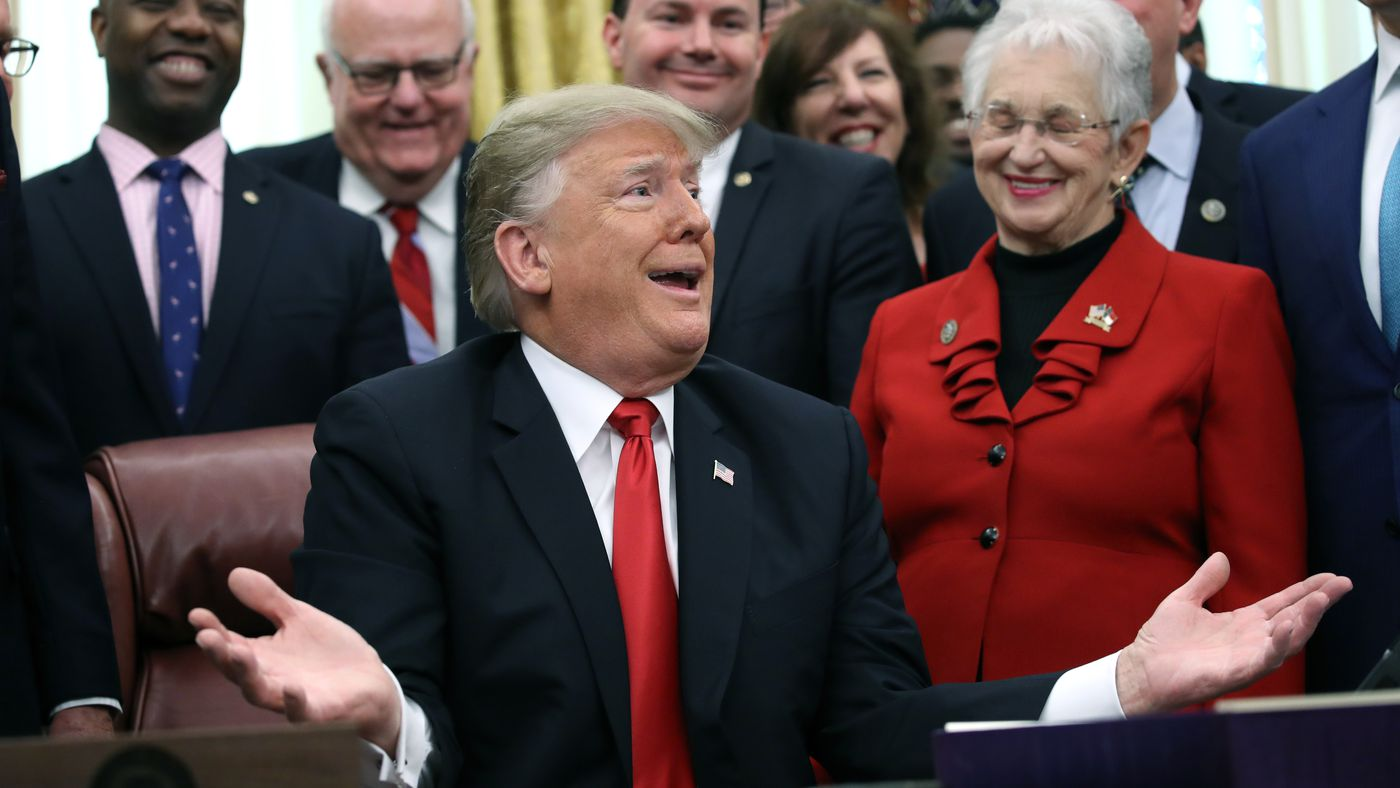 Government shutdown 2018: Trump's border wall blame game is