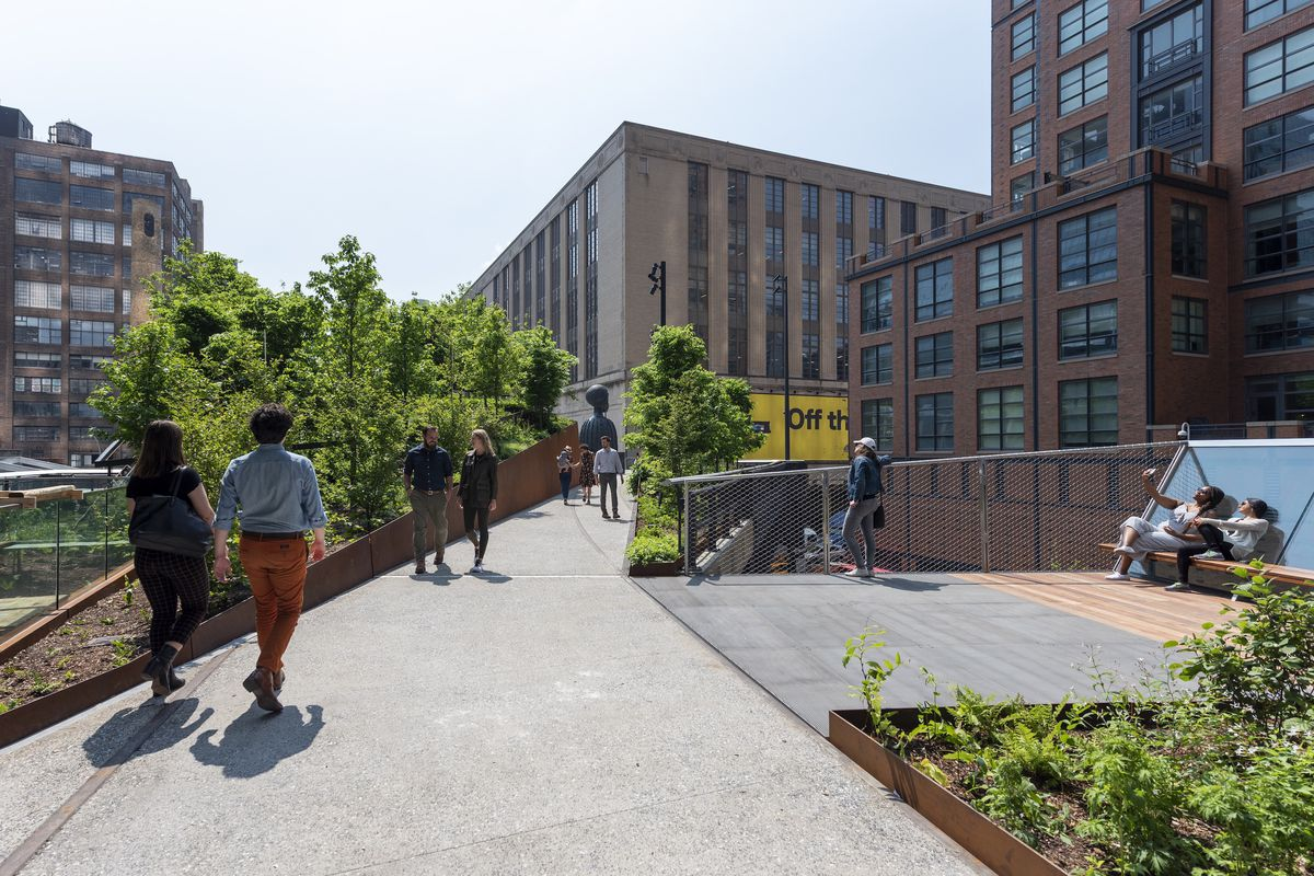 Schenck_High_Line_Spur_2019_05_31_DSC_0244.0 The High Line Spur, the final section of the elevated park, opens