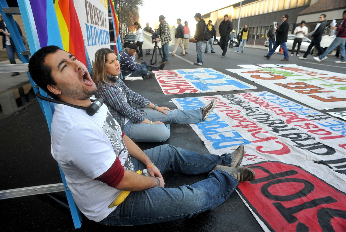 civil disobedience at immigration protest