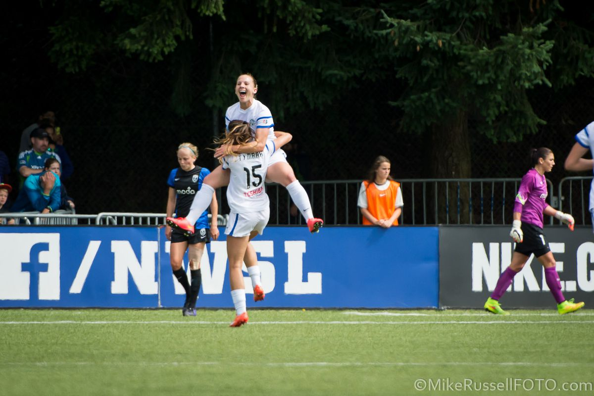 Amy Rodriguez celebrates her goal in the 2014 NWSL Championship match