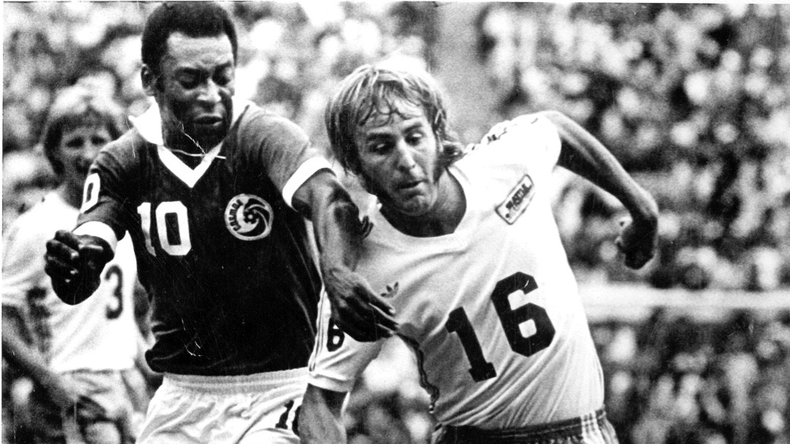 1977webster_pele_soccerbowl.0.0