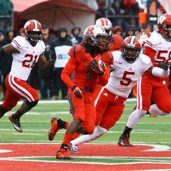 Defensive back Darius Hillary tracks down Rutgers put returner Janarion Grant