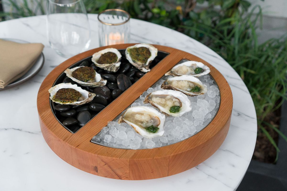 Hot and cold oysters at NoMad Bar