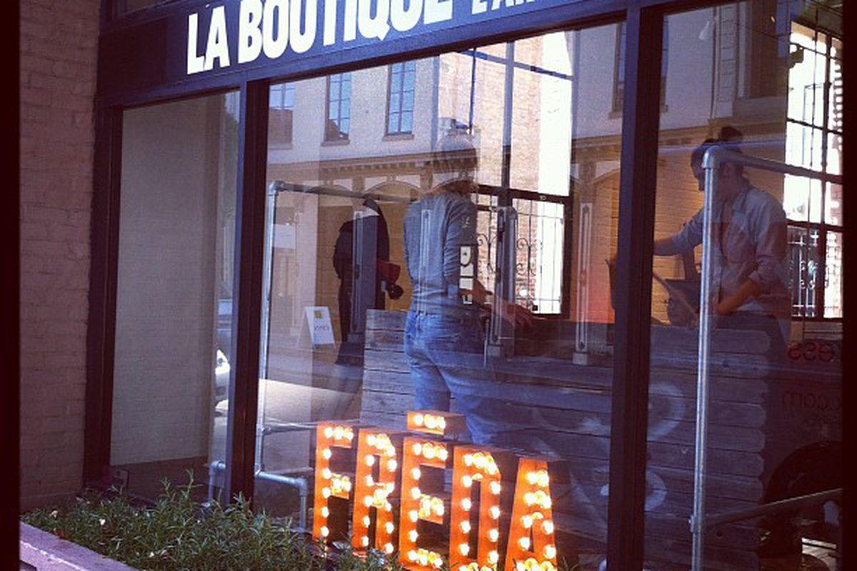"Image via La Boutique <a href=""https://www.facebook.com/photo.php?fbid=10151234241790921&amp;set=a.10150595208080921.441199.413296005920&amp;type=1&amp;theater"">on Facebook</a>"