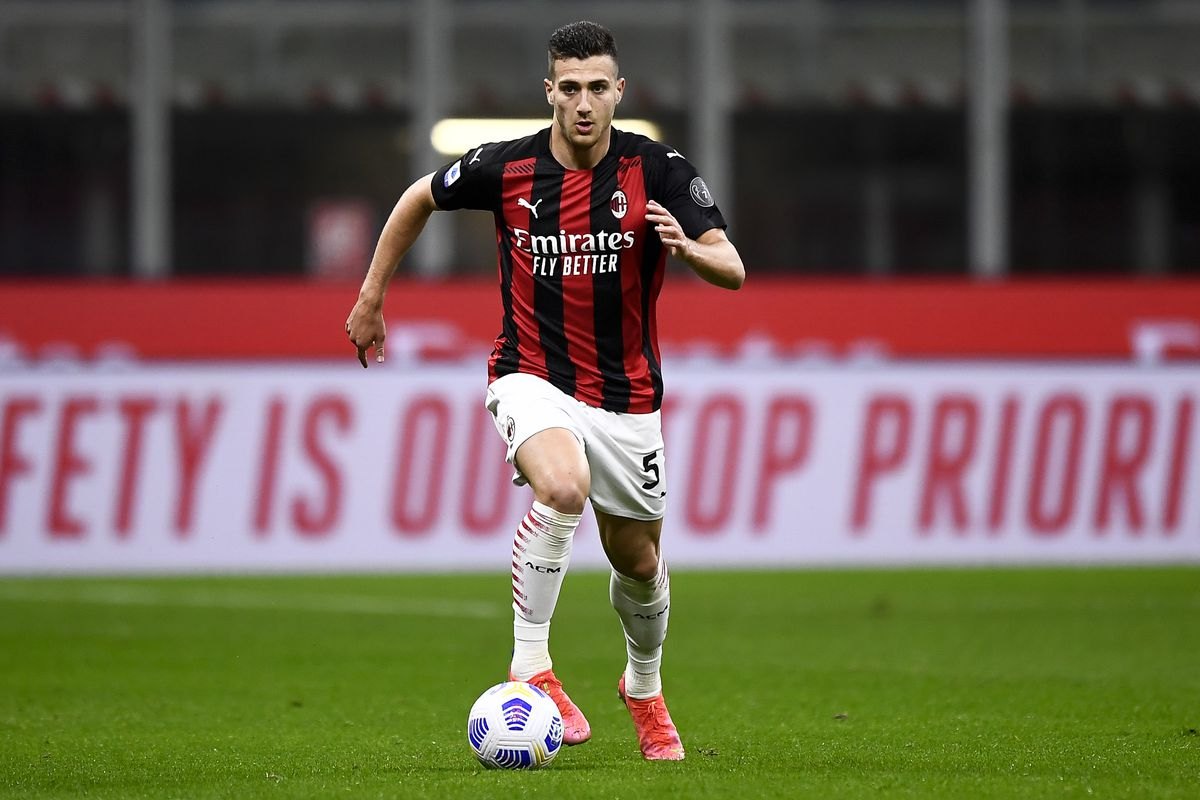 Diogo Dalot of AC Milan in action during the Serie A...